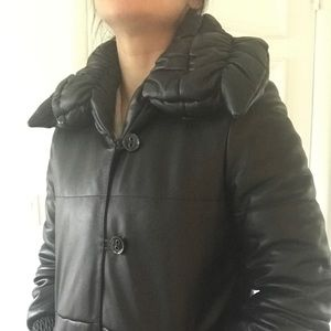 Elegant and Mint!!! Softest leather quilted coat